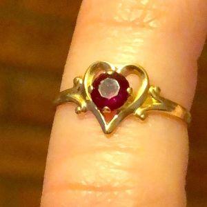 Vintage 10k heart garnet ring size 4